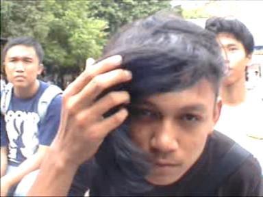 Ini gua waktu masih SMA. Potongan rambutnya udah ala Skrillex, before it was cool :)